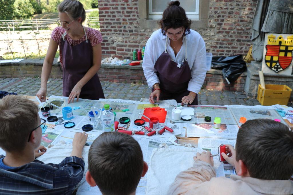 Ferienkurs mit Museumspädagoginnen