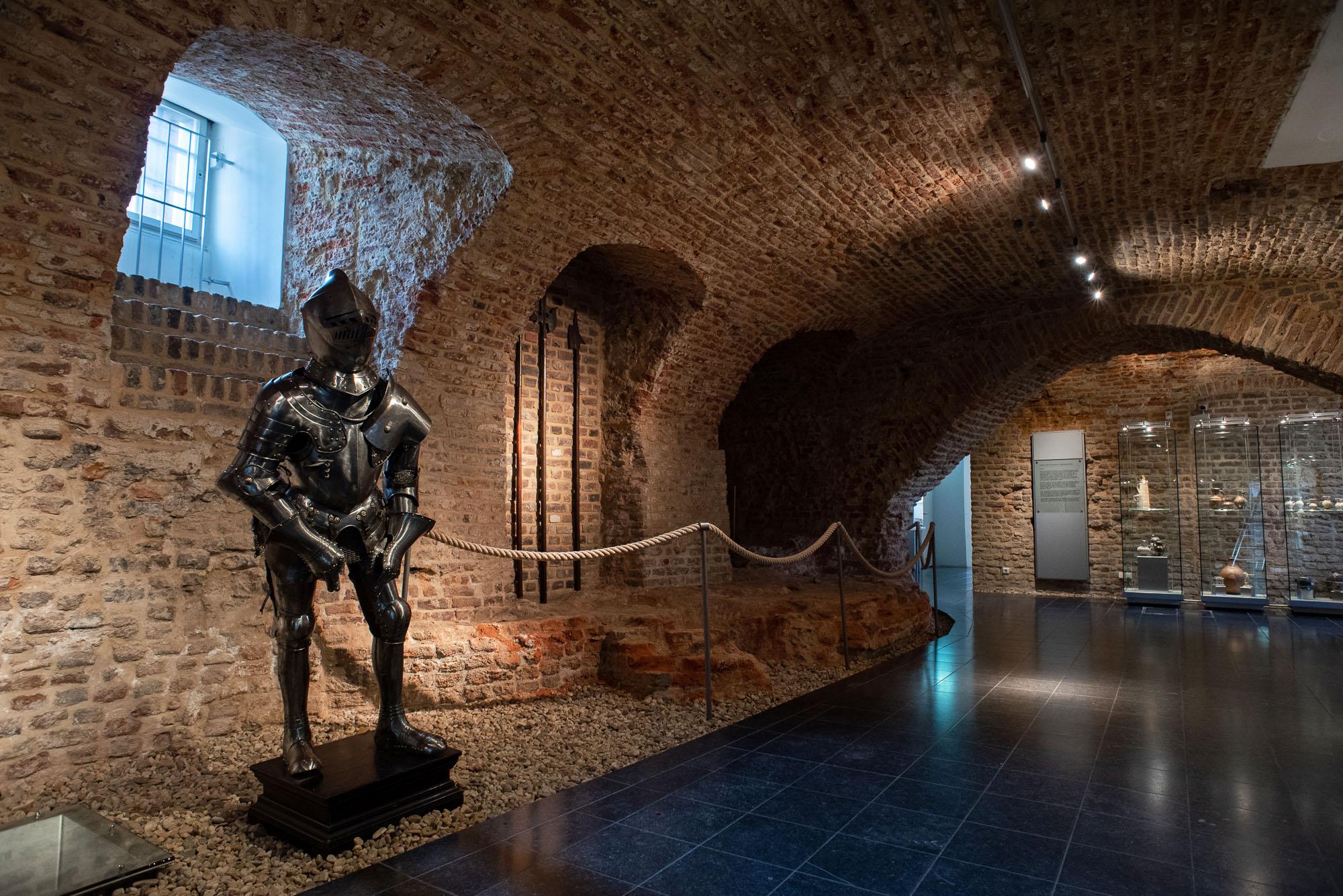 Schlossgeschichte(n) indoor